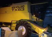 حصادة قمح نيوهولاند TX63 للبيع