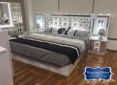 للبيع غرف نوم مودرن جديدة بدواليب كبيرة