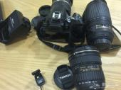 للبيع كاميرا نيكون الاحترافية d5200 مع عدساته