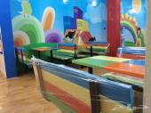 طاولات وكراسي مدارس وكفتريات مطاعم