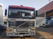 فولفو F12