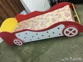 سرير اطفال (سيارة) للبيع