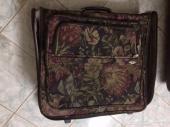 حقائب سفر كبيرة للبيع