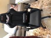 للبيع كرسي قيمنق استخدام اربع ايام