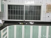 دواليب مطبخ  لكامل المطبخ حجم المطبخ 4 متر في