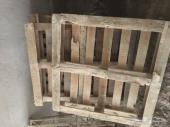للبيع عدد 6 طبالي خشب و3 الواح خشب اندنوسي