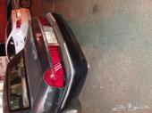 يوجد سياره فورد 2002