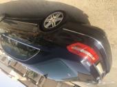 للبيع قطع غيار مرسيدس E300 موديل 2011
