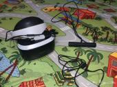 نظارة VR و اداة التحكم للبيع.