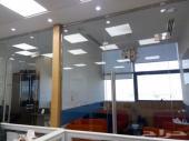للتقبيل مكتب مجهز بالكامل و بالتكيفات