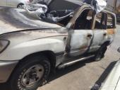 للبيع جيب لاند كروزر 2002 محترق