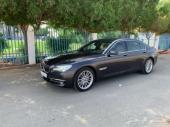 للبيع BMW 740 فل كامل نظيف