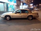 سيارة فورد جراند ماركيز للبيع