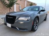 للبيع Chrysler 300 black edition 2018 اسمنتي