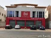 عماره جميله ومجدده للايجار بموقع استراتيجي