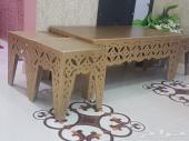 طاوله وحده كبيره و 4 صغار للخدمه