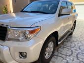 لاندكروزر GXR فل كامل 2012 سعودي عداد 93 الف