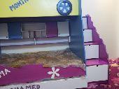 سرير أطفال شبه جديد