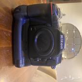 كاميرا نيكون D500 مع battery grip