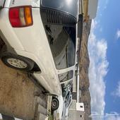 سيارة جيمس شيفروليه ابيض 2003