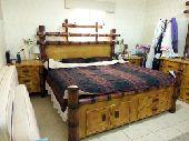 غرفة نوم مع مرتبة طبية للبيع