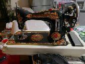مكينة خياطة قديمة نظيفة جدا