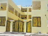مجمع سكني او مدرسة  للبيع او للايجار بلكامل