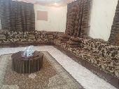 مجلس عربي مع الطاوله والسجاده والستائر3 للبيع