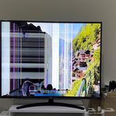 شاشة LG سمارت 4K مقاس 55 مع ريموت سحري مكسورة للبيع