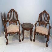 كرسيين مع طاولة للبيع