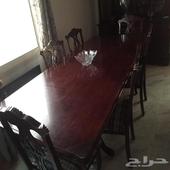طاولة سفرة 8كراسي مع البوفيه