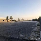 مساحة ارض للايجار مع سكن عمال