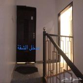 شقة في الملحق العلوي للايجار الموقع حي لبن الشرقي