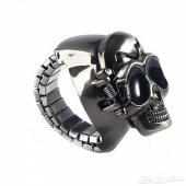 خاتم ساعة على شكل جمجمة