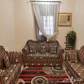 شقة 4 غرف وصالة للعوائل شرط شراء العفش المروة