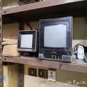 تلفزيونات قديمه .. وفرن مسطح .وفوانيس قديمه .