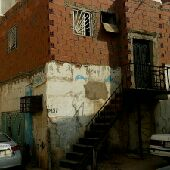 بيت شعبي للبيع