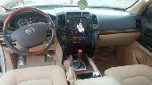 جيب 2012  سلندر 8 على الشرط للبيع