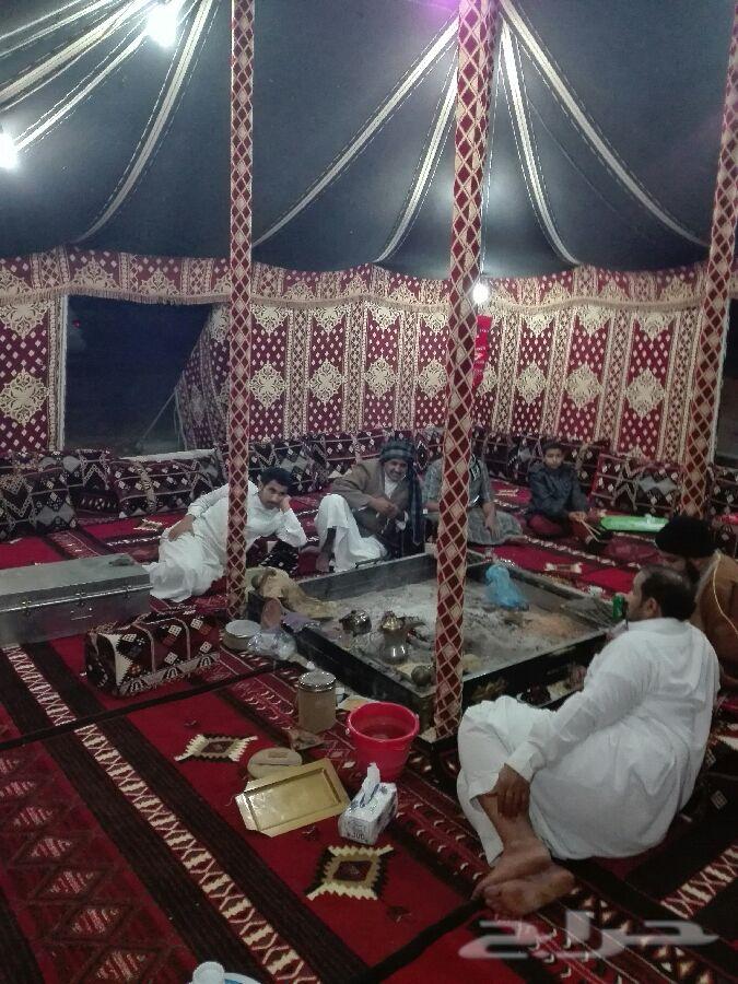 مخيم للايجار قسمان عند مطار الملك خالد الدولي